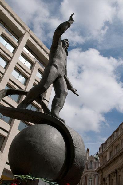 Space Memorial Statues: Yuri Gagarin, Laika and Dan Dare ...