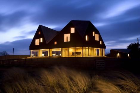 Living Architecture: Jarmund/Vigsns Architects. The Dune House. Thorpeness,  Suffolk | AAJ Press