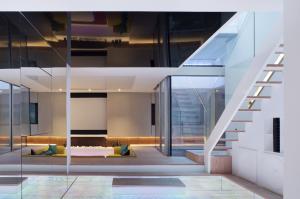 The Hidden House Hogarth Architects 1