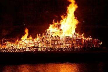londons-burning-david-best-artichoke-london-england-uk_dezeen_2364_col_7-468x312