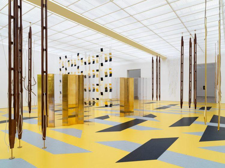 Resonating Spaces. Leonor Antunes 1